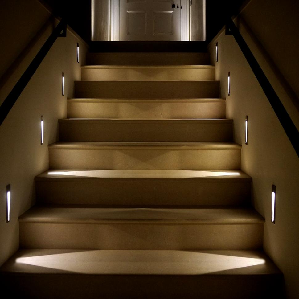 Встраиваемые светильники для подсветки ступеней